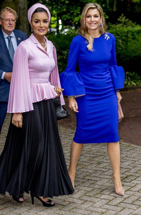 Look para vestido azul klein