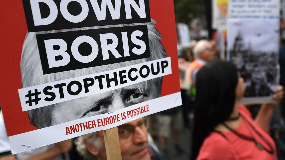 Foto: Protestas contra Boris Johnson en Londres. (Reuters)