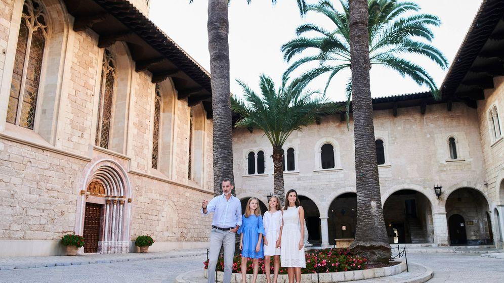 Foto: Los Reyes en La Almudaina. (Limited Pictures)