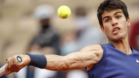 Carlos Alcaraz se despide de Roland Garros con honores tras caer derrotado ante Struff