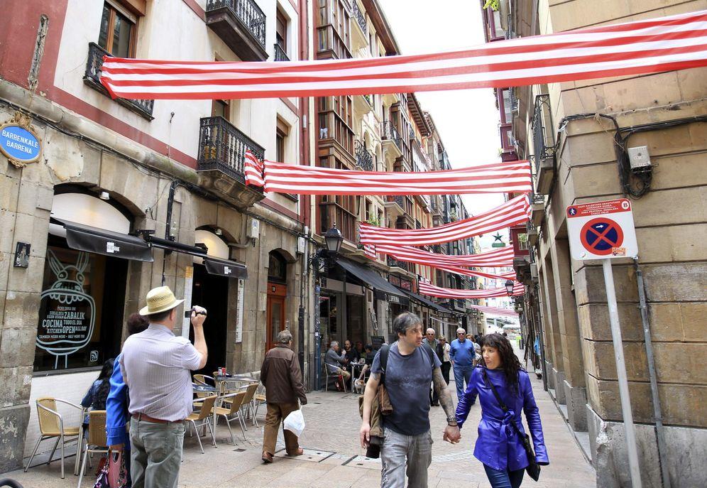 Foto: Bilbao, engalanado por la final copera (Efe)