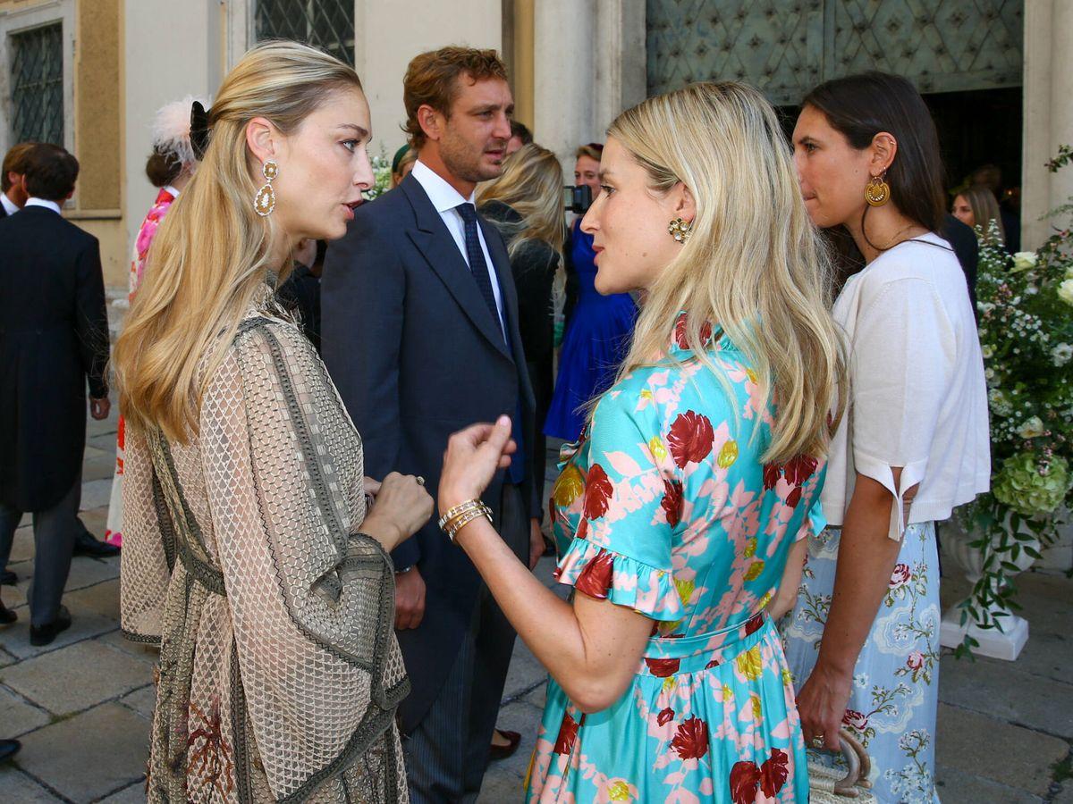 Foto: Beatrice Borromeo, charlando con Ekaterina Malysheva. (Gtres)