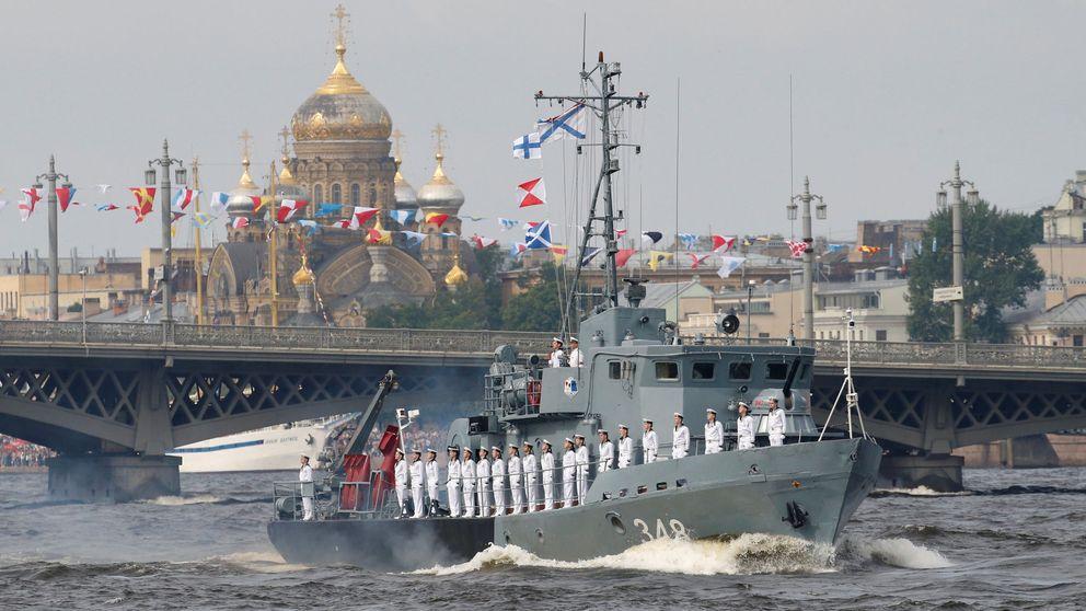 Desfile naval en San Petersburgo: el poderío militar de Rusia no pasó desapercibido