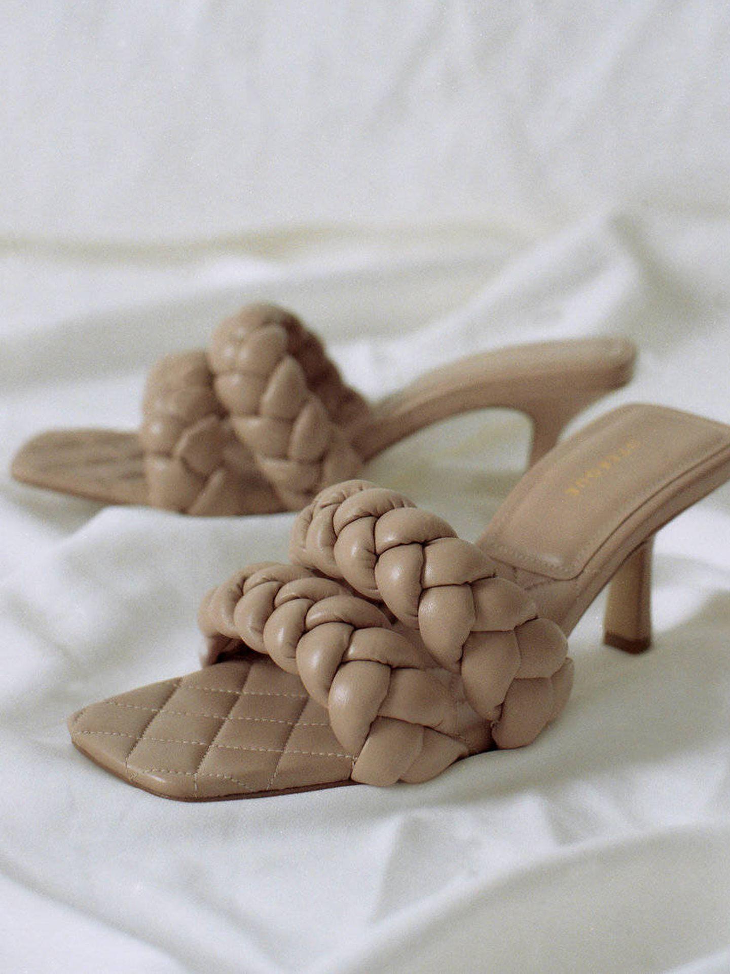 Las nuevas sandalias de Uterqüe. (Cortesía)