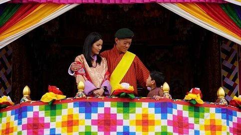 Los reyes de Bután presiden un acto histórico (y muy significativo) en su país