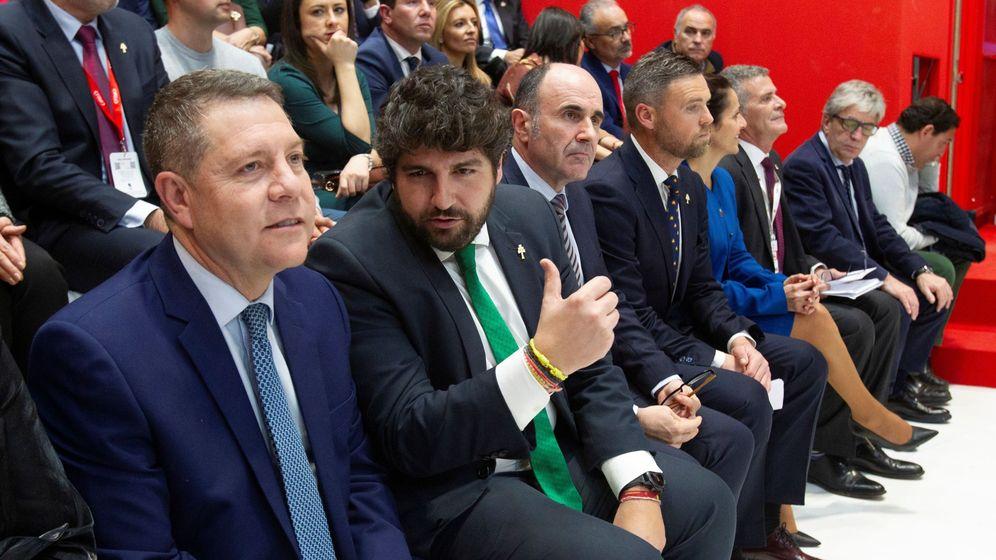 Foto: El presidente de Murcia, Fernando López Miras, y el presidente de Castilla-La Mancha, Emiliano García-Page. (EFE)