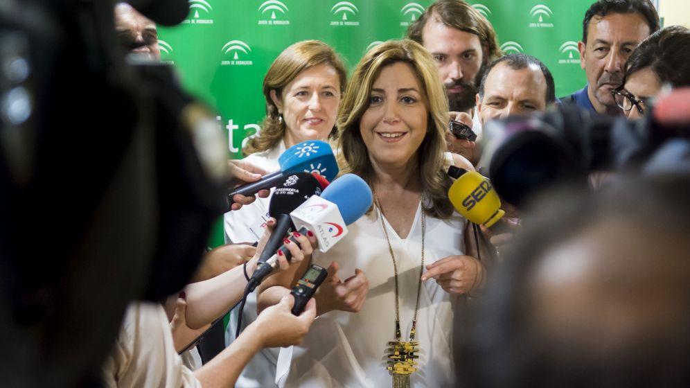 Foto: La presidenta de la Junta y líder del PSOE-A, Susana Díaz, este 2 de junio en una visita al hospital de Valme, en Sevilla. (EFE)