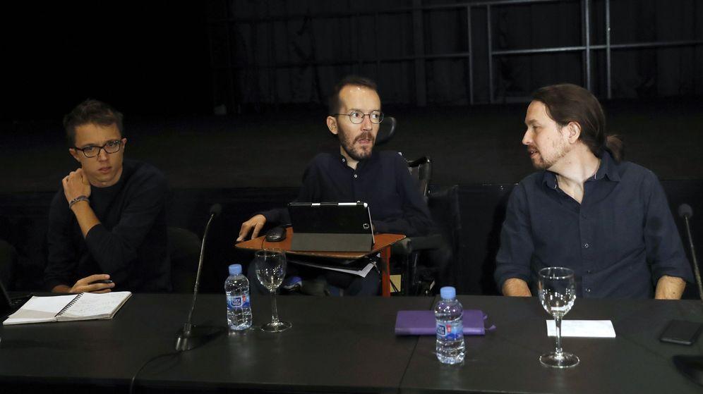 Foto: El secretario general de Podemos, Pablo Iglesias (d), junto al secretario de Organización, Pablo Echenique (c), y el secretario Político, Íñigo Errejón, en el último consejo ciudadano. (EFE)