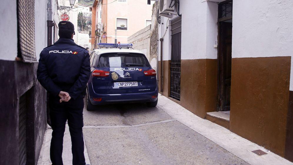 Foto: Imagen de archivo de un agente de la Policía Nacional. (EFE)