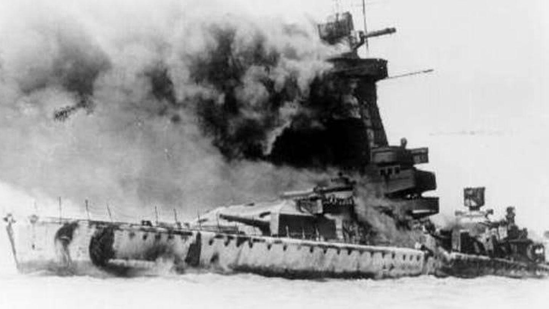 Hundimiento del acorazado alemán Graf Spee.