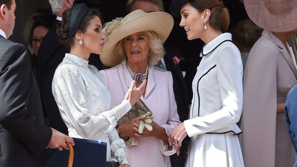 Foto: Kate y Camilla, con Letizia. (EFE)