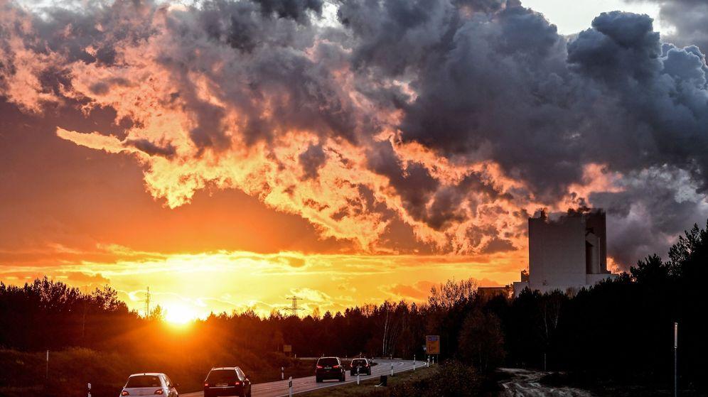 Foto: La concentración de CO2 en la atmósfera batió un nuevo récord en 2016 según la OMM (Filip Singer / EFE)