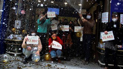 El 72.897, un Gordo repartido que premia de nuevo a  la 'gasolinera de la suerte'