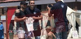 Post de El 'posado' de Eden Hazard con la camiseta del Real Madrid en Marbella