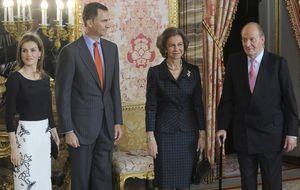 El Rey abdica: Felipe y Letizia serán Reyes