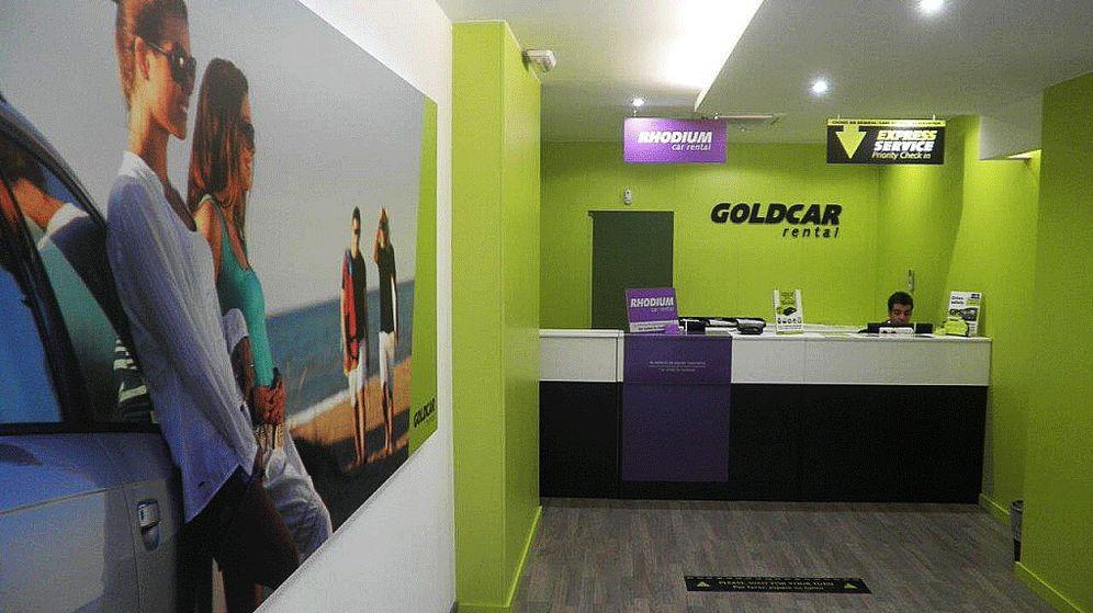 Foto: Puesto de Goldcar en la estación del AVE de Alicante. (Goldcar)