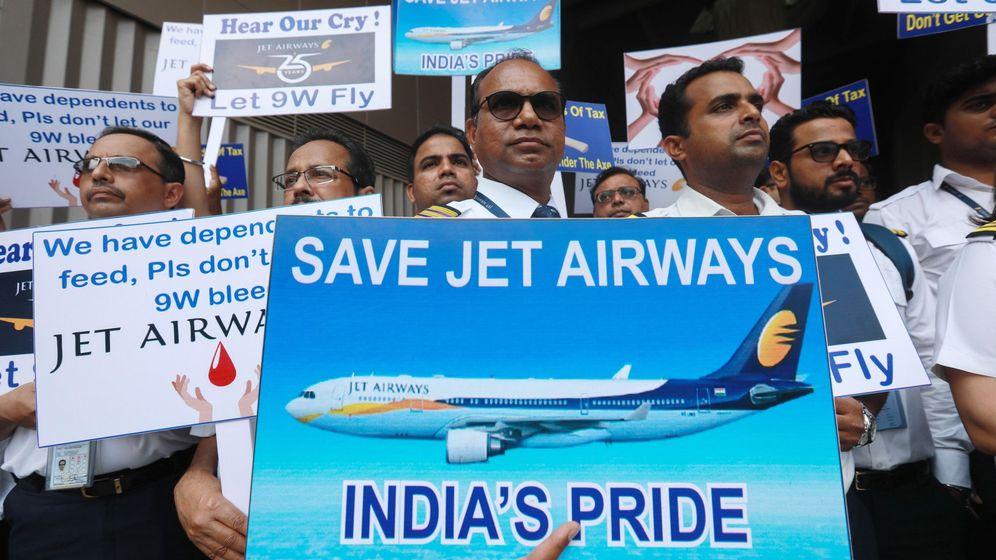 Foto: Protesta de trabajadores jet airways por la situación de la compañía
