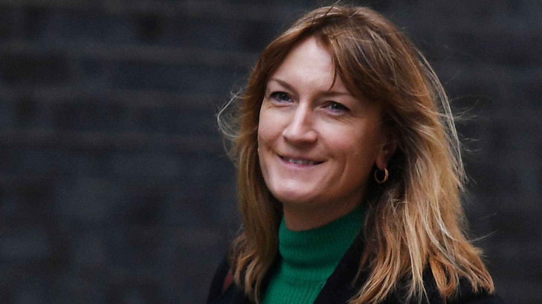 Allegra Stratton, a su llegada a Downing Street. (EFE)