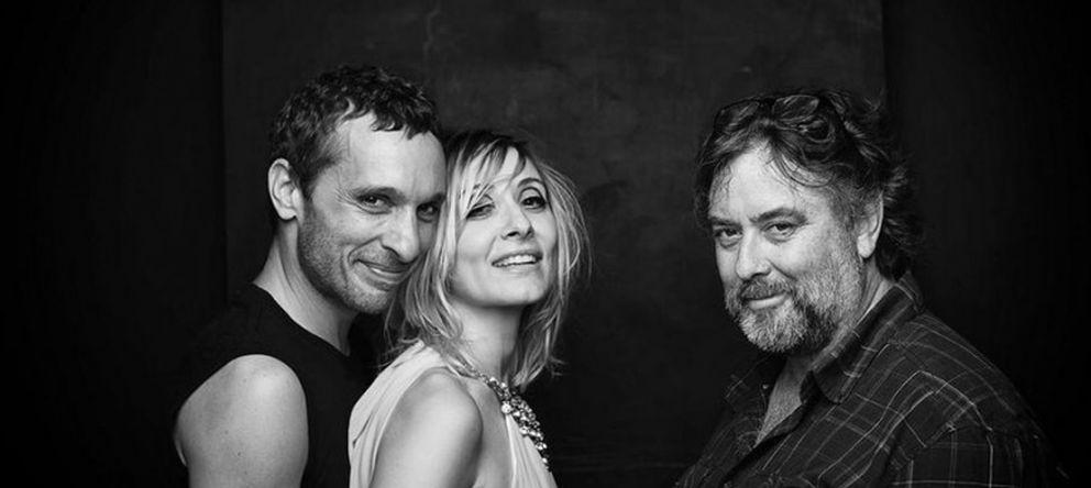 Foto: Andrés Lima con los protagonistas de la obra