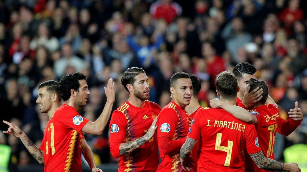 Foto: Los jugadores españoles celebran un gol en el último partido de la Selección. (EFE)