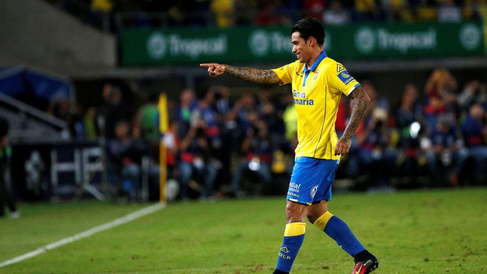 Foto: Sergio Araujo, en un partido con Las Palmas (Juan Medina/EFE).