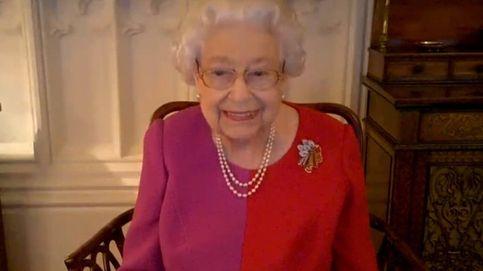 La reina Isabel II y su vestido con la combinación preferida de Diana de Gales