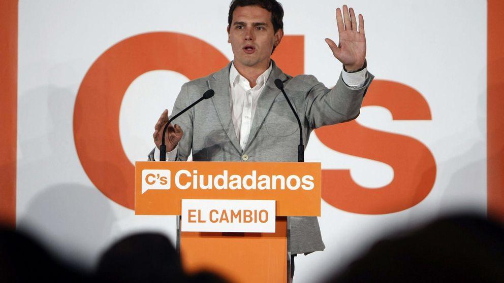 Rivera tensa más la cuerda: respaldará a Cifuentes si firma su decálogo
