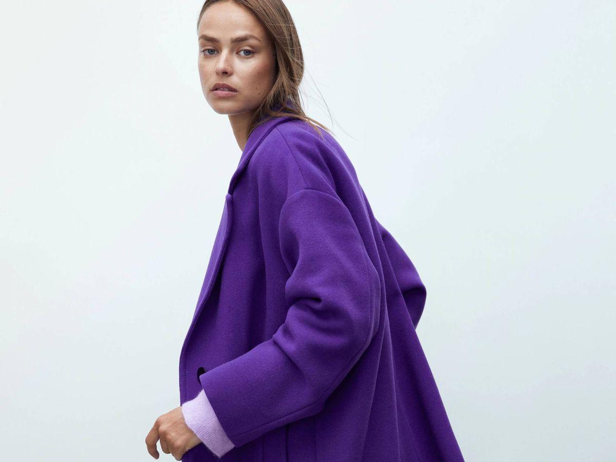 Foto: El nuevo abrigo de Massimo Dutti. (Cortesía)