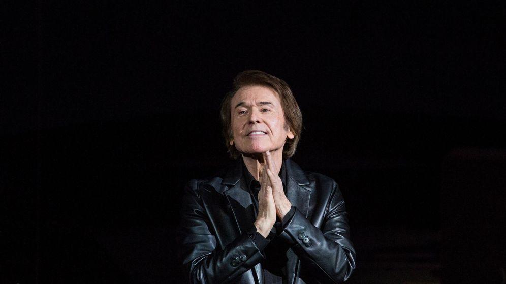 Foto: Raphael, el 10 de abril de 2019, en un concierto en Moscú. (EFE)