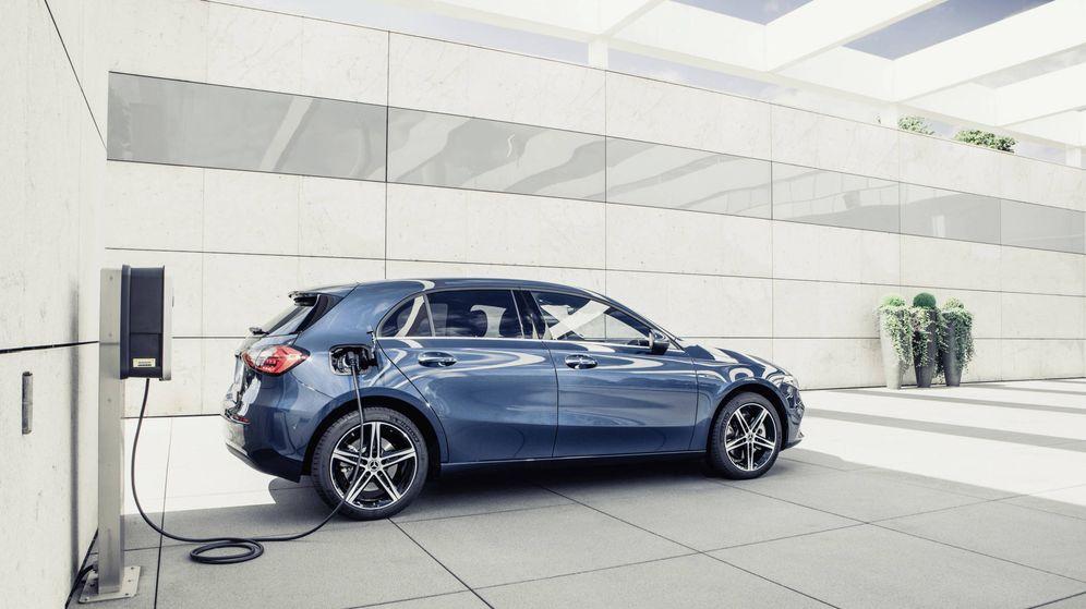 Foto: Mercedes incorpora la tecnología híbrida enchufable en sus modelos compactos con más de 70 km de autonomía en eléctrico.
