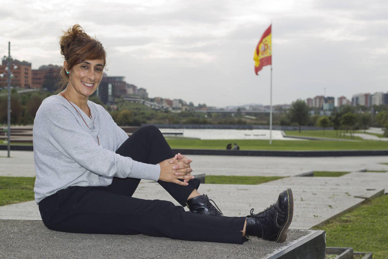 Foto: La guardia civil Pilar Villacorta, en Santander. (Foto: David S. Bustamante)
