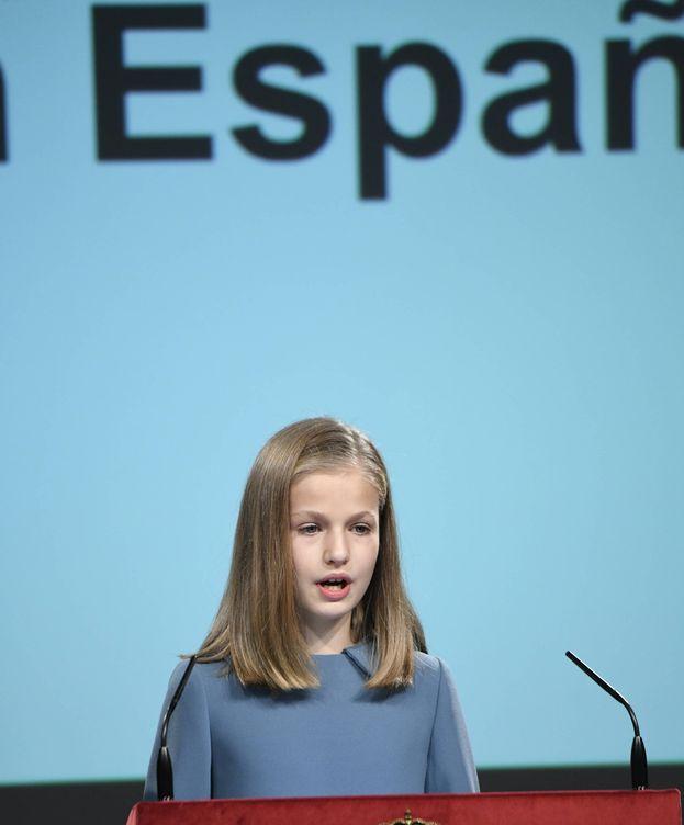Foto: La princesa Leonor, leyendo la Constitución. (Limited Pictures)
