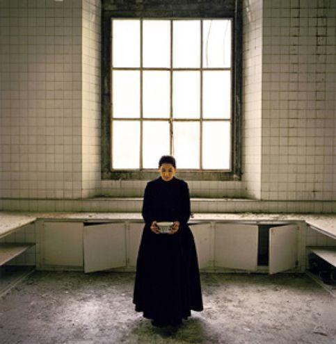 Marina Abramovic mezcla lo divino y lo cotidiano para homenajear a Santa Teresa