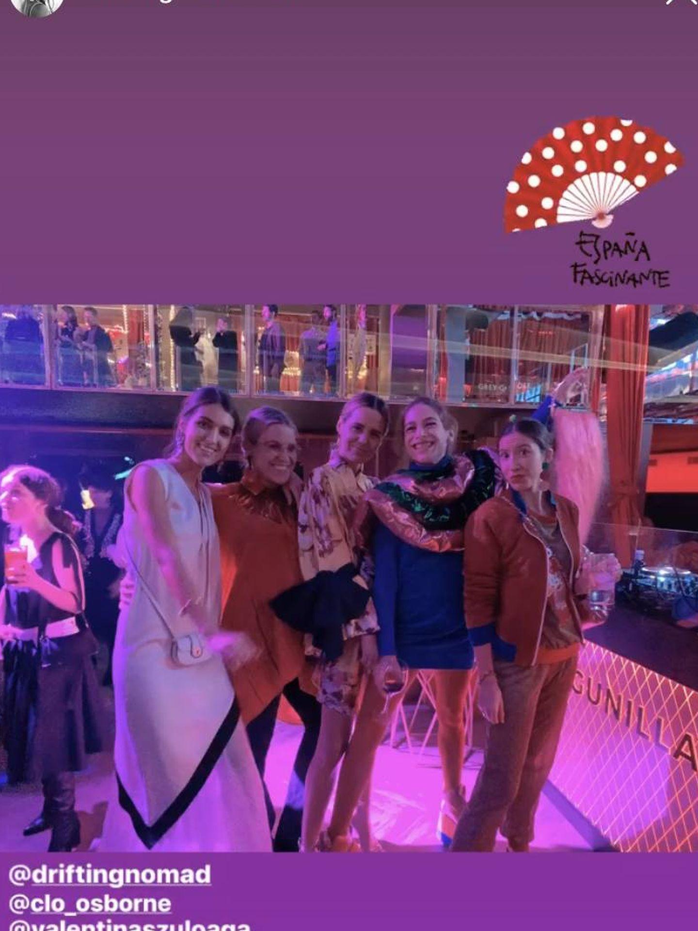 Valentina, Francesca, Claudia Osborne y Cósima, en la fiesta. (@driftingnomad)