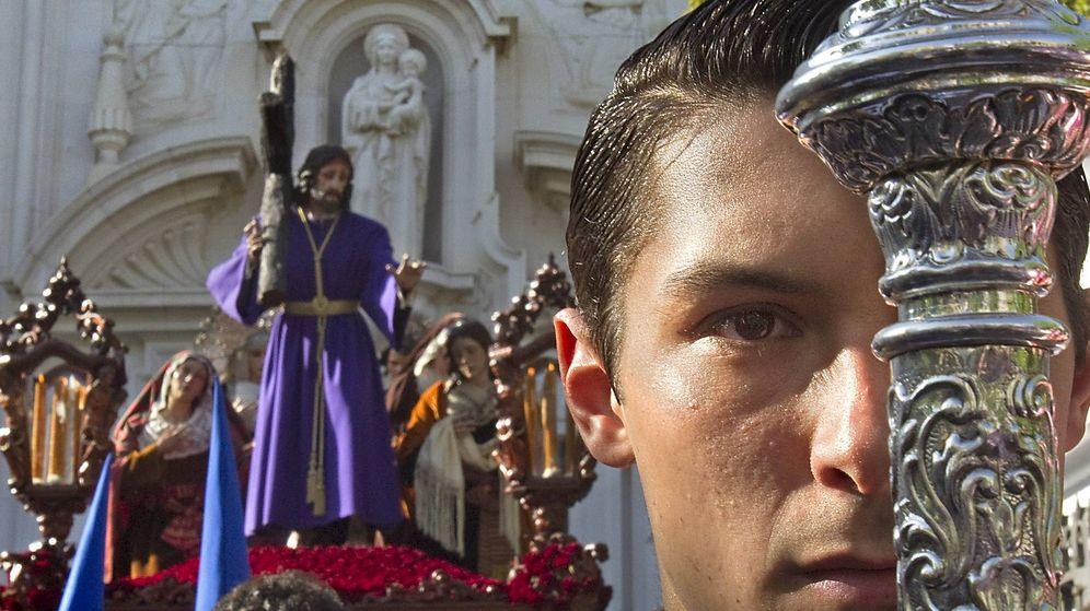 Foto: El cristo de la Misión en Sevilla, el Viernes de Dolores de 2011 (EFE)