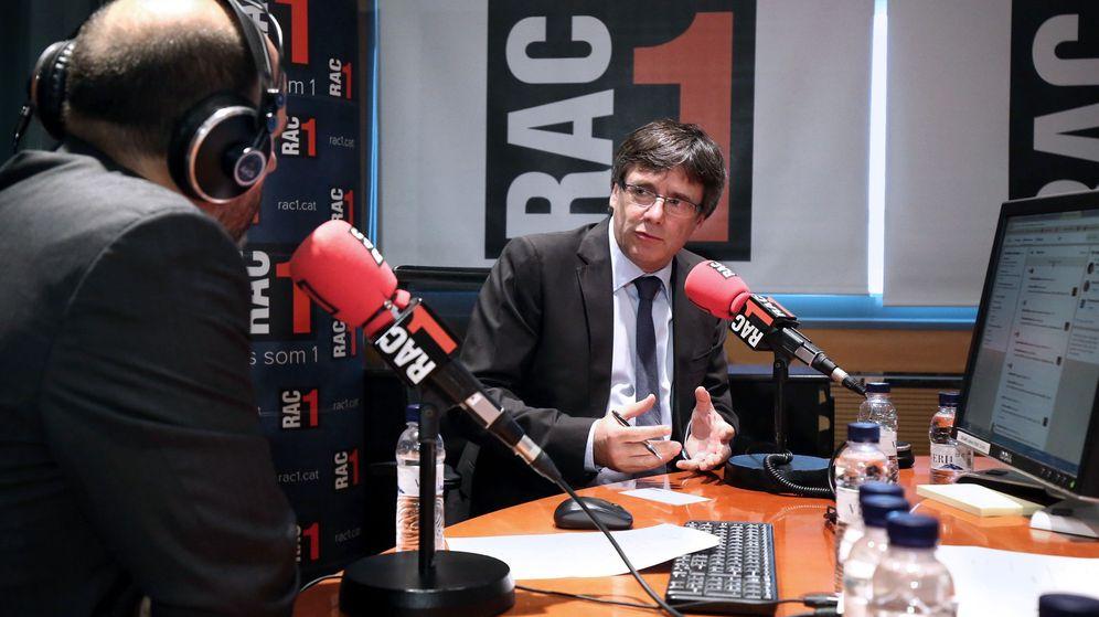 Foto: Carles Puigdemont en una entrevista de radio. (EFE)