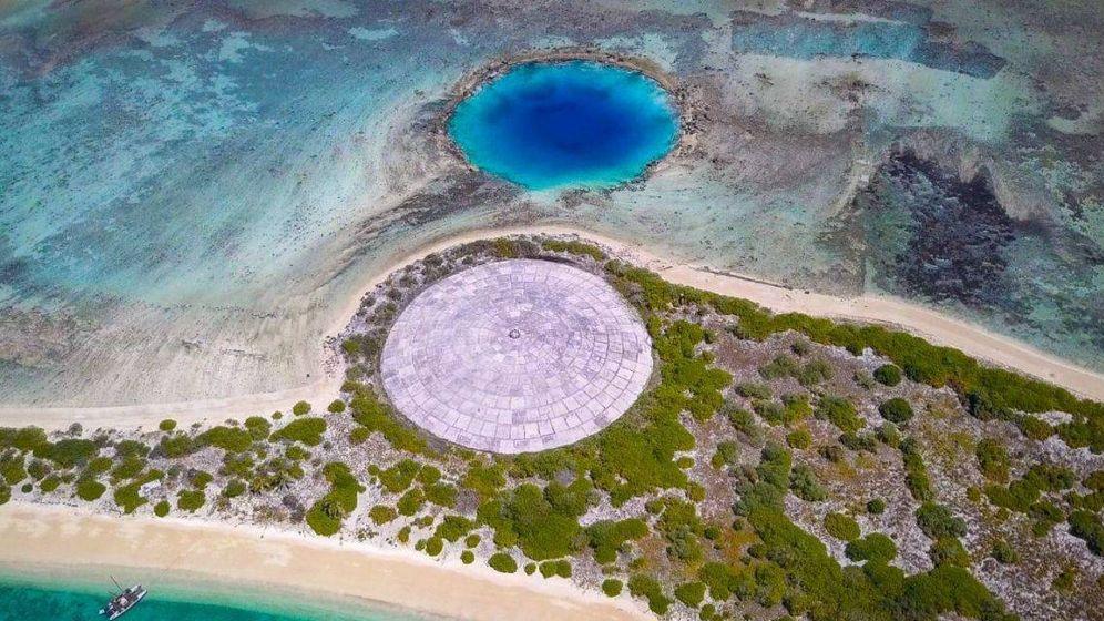 Foto: 'La Tumba', la estructura de las Islas Marshall que está rompiendo. (CC)