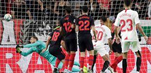 Post de La 'cantada' de Oblak y el patadón de Diego Costa (no sale de la crisis del gol)