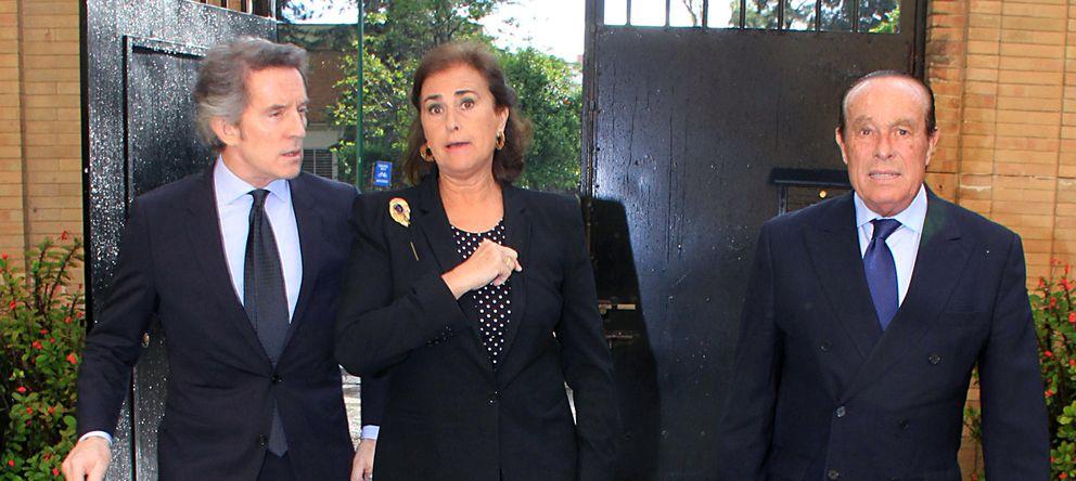 Foto: Alfonso Díez, junto a Carmen Tello y Curro Romero en una imagen de archivo (Gtres)