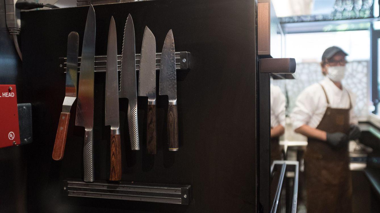 Nueva York pospone la completa reapertura de los restaurantes: No es el momento