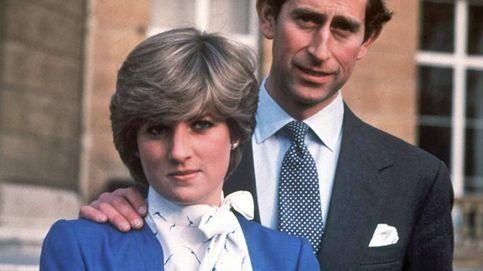 Del anillo de Kate a la blusa con lazada, así es el look de Diana visto a través de 'The Crown'
