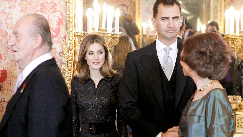 Foto: Los reyes de España junto a los reyes eméritos (Gtres)