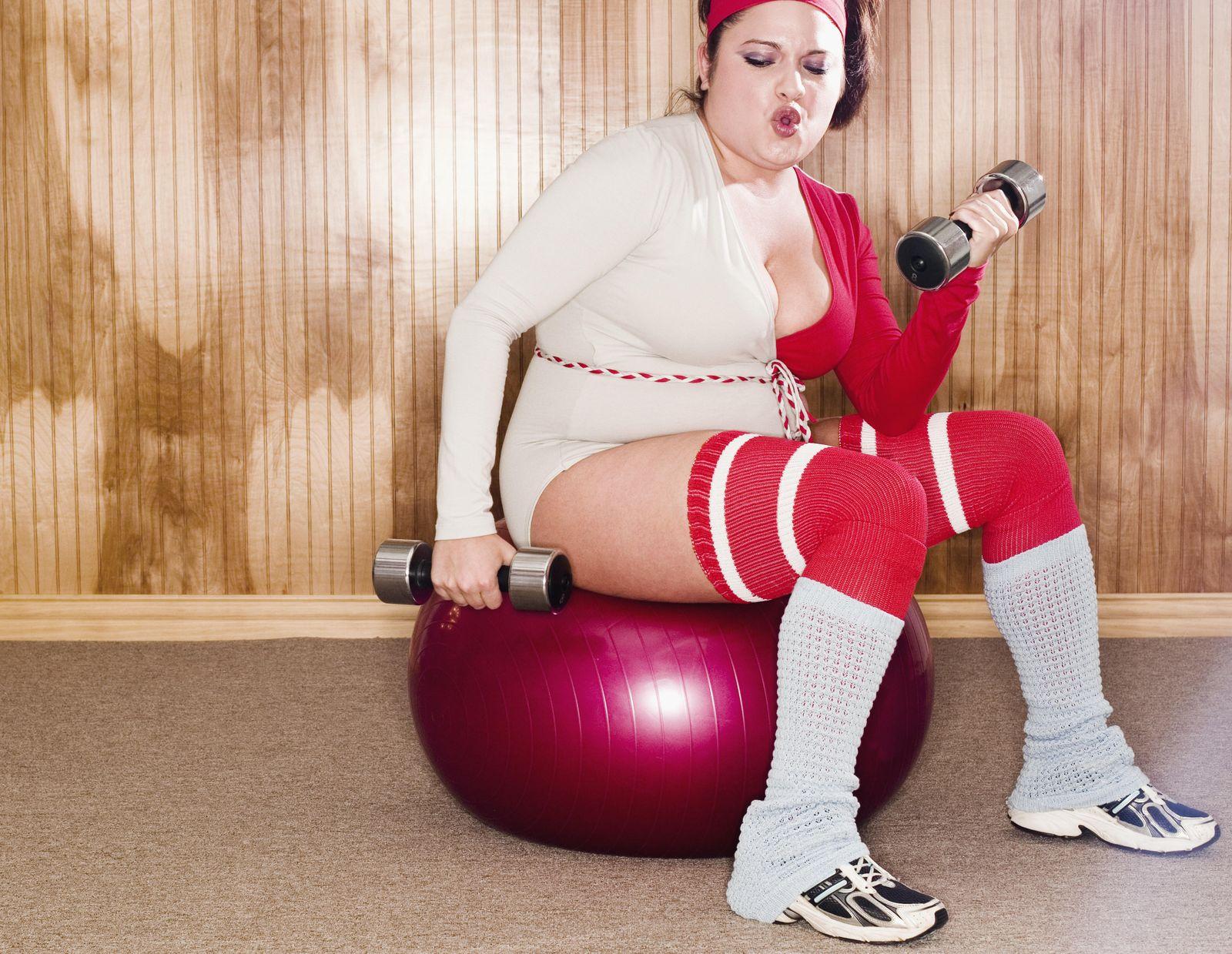Foto: Deja de gastarte un pastón en entrenadores personales y accesorios de 'fitness'. Adelgazar es más sencillo de lo que crees. (Corbis)