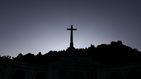 La mayoría apoya exhumar a Franco pero no avala la gestión del Gobierno