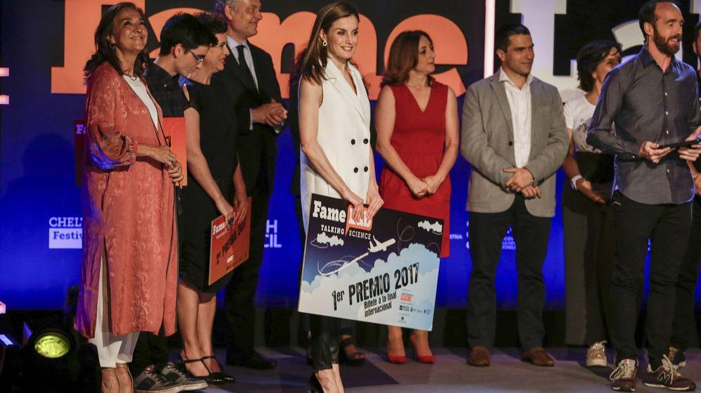 Foto: La reina Letizia, el año pasado entregando el premio del concurso. (Gtres)
