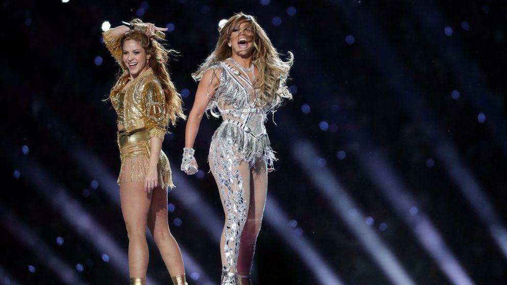 Los lookazos de Shakira y JLo en la Super Bowl: treinta mil cristales y sabor latino
