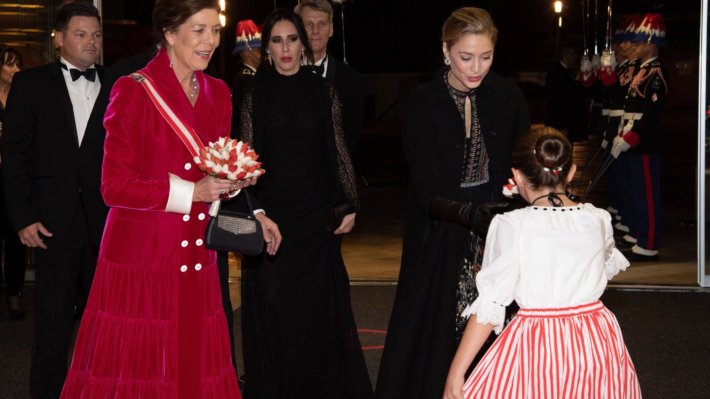 Carolina de Mónaco y Beatrice Borromeo, en la gala del Día Nacional. (Getty)