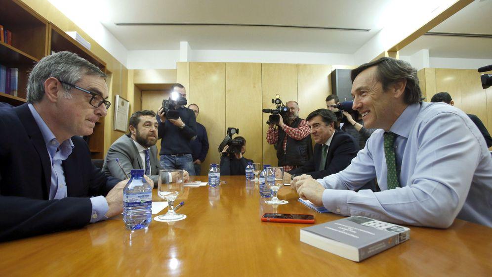 Foto: Primera reunión entre Ciudadanos y PP en el Congreso de los Diputados. (EFE)