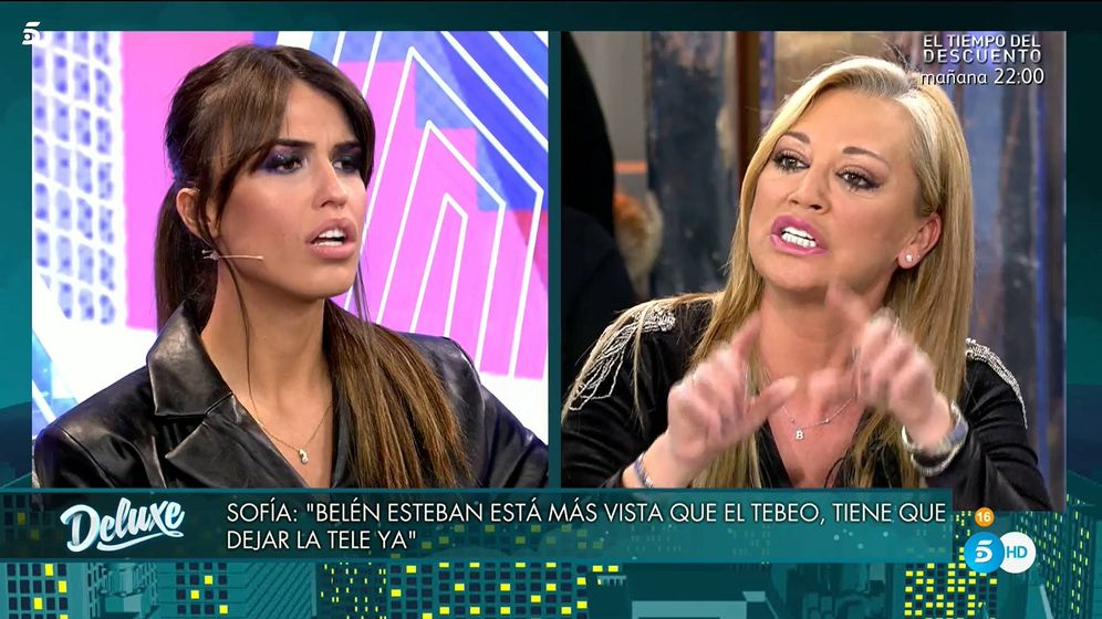 Foto: Sofía Suescun y Belén Esteban, en 'Sábado Deluxe'. (Telecinco)