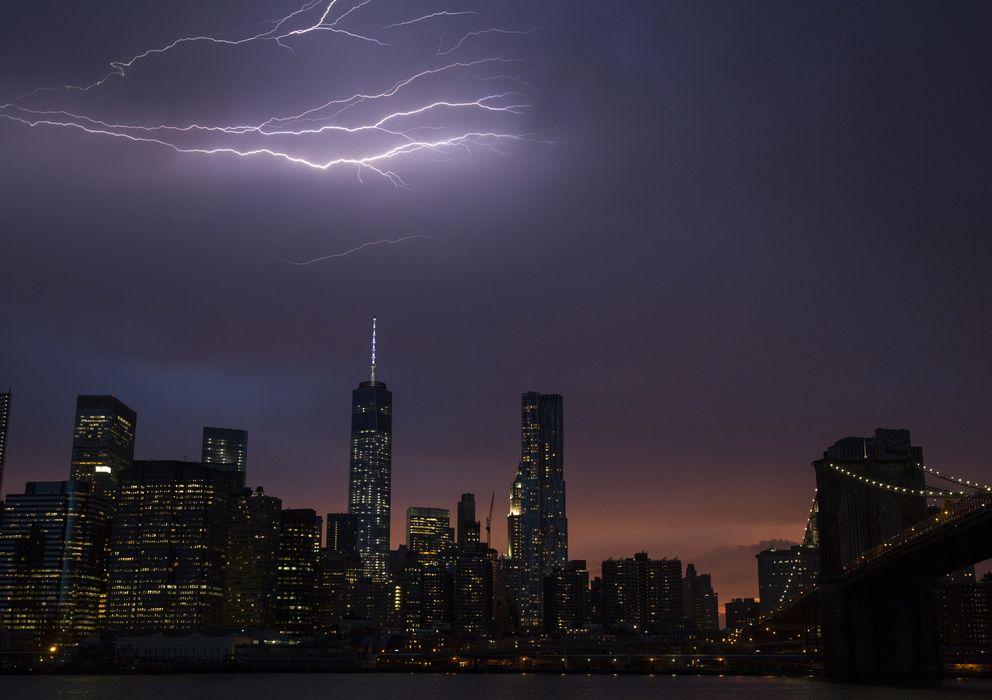 Foto: El 'skyline' de Manhattan durante un atardecer en la ciudad de Nueva York, EEUU (Reuters)